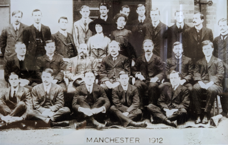 Rutherford and colleagues at Manchester in 1912