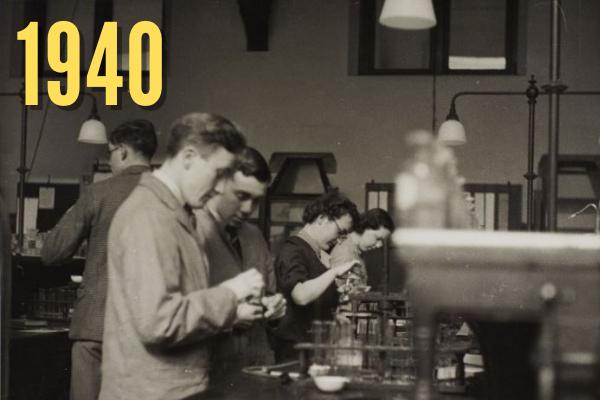 Roscoe Chemistry students in 1940