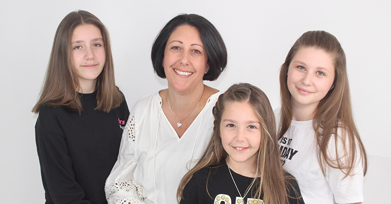 Dr Lynne Bianchi and daughters